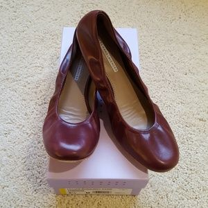 EUC Vera Wang Leather Ballerina Flats sz 9.5